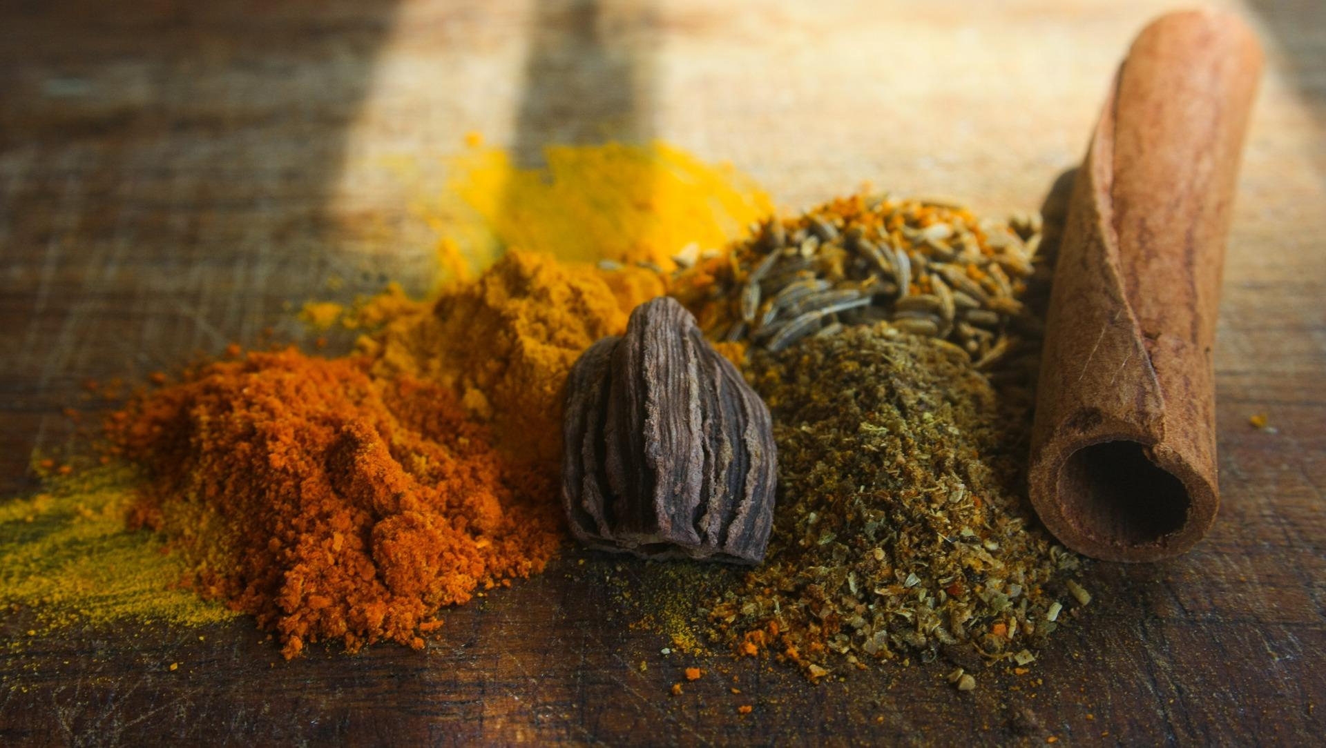 Spice Powders and Black Cardamom
